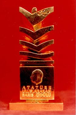 Atatürk Barış Ödülü Görseli