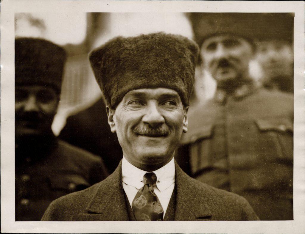 Atatürk ile ilgili görsel sonucu